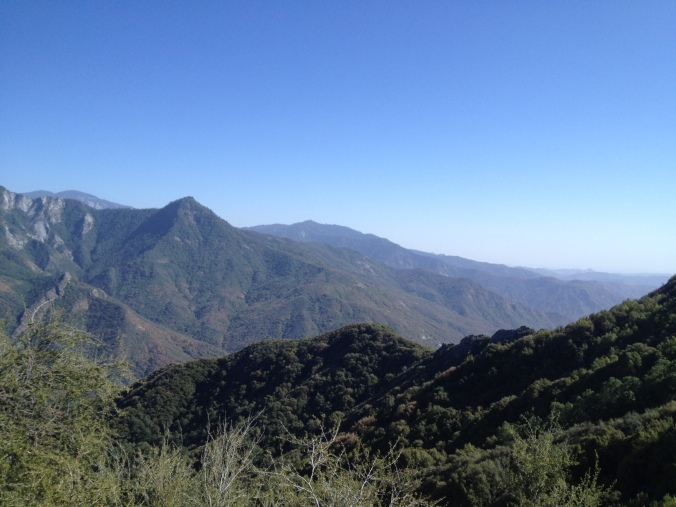 The descent as one nears the south gate of Sequoia National Park